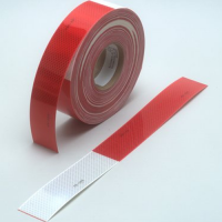 3M 983-32 Diamond Grade Conspicuity Marking Roll Red/White 2IN X 18IN 3M75030123642