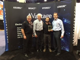 Vantage_distributor_of_the_year_2015_apex